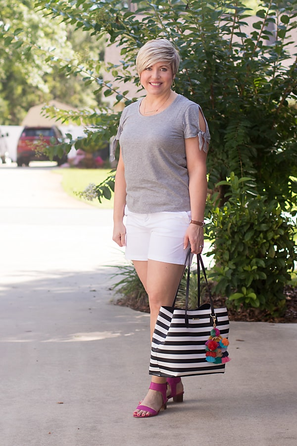 neutral tee shirt outfit
