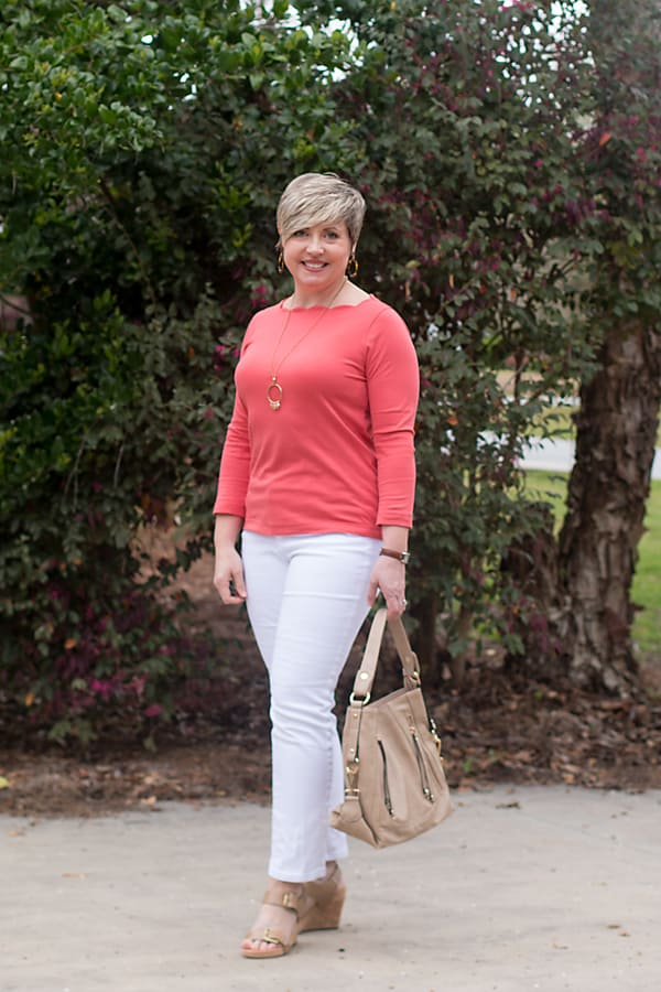 white jeans spring outfit with nude wedges