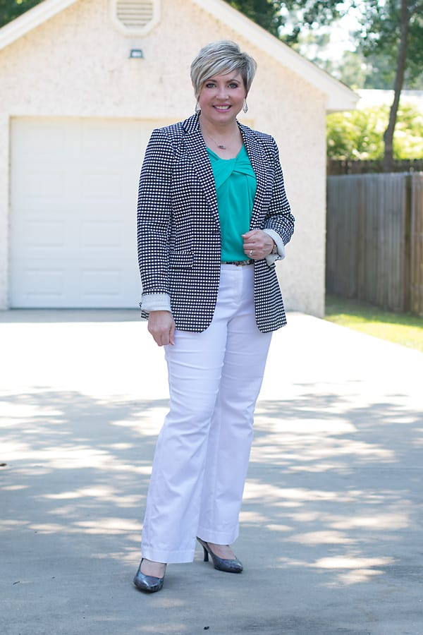 how to wear patterned blazers