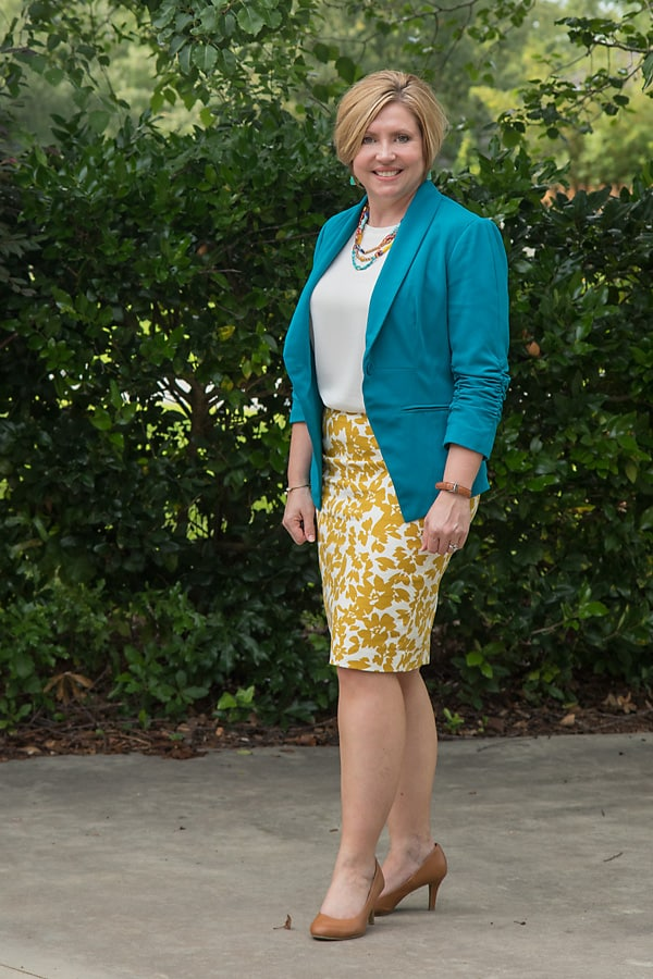 womens office attire pencil skirt outfit