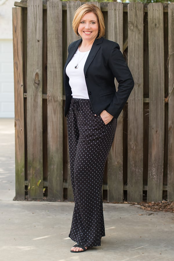 cropped blazers/ dressy casual outfit