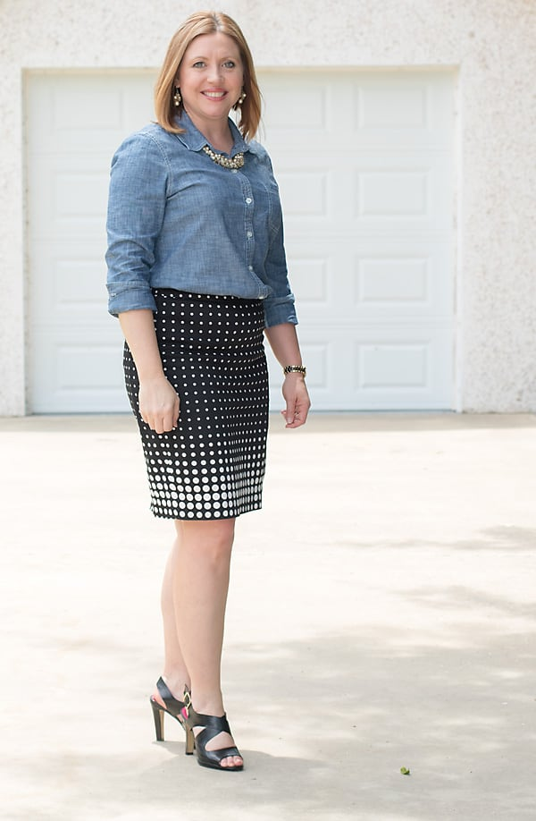 chambray shirt and pencil skirt outfit