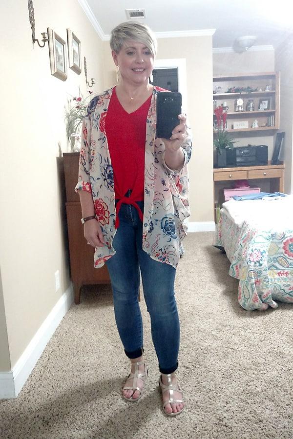 kimono with skinny jeans