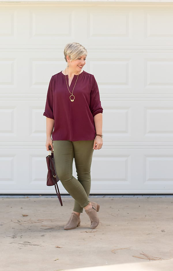 olive jeans outfit