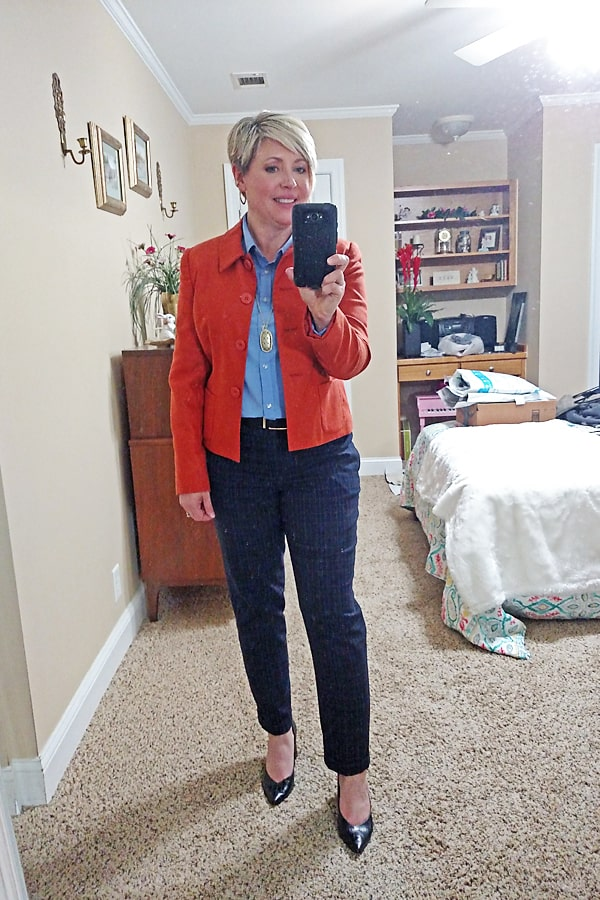 womens work wear outfit with plaid pants