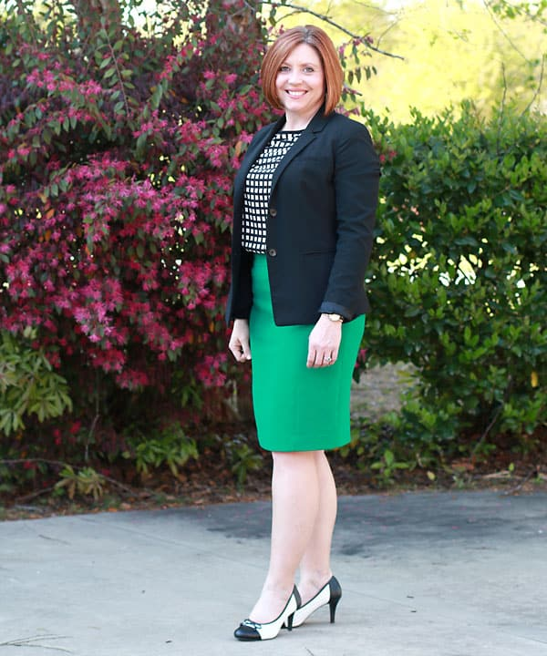 wear green to work/ pencil skirt outfit