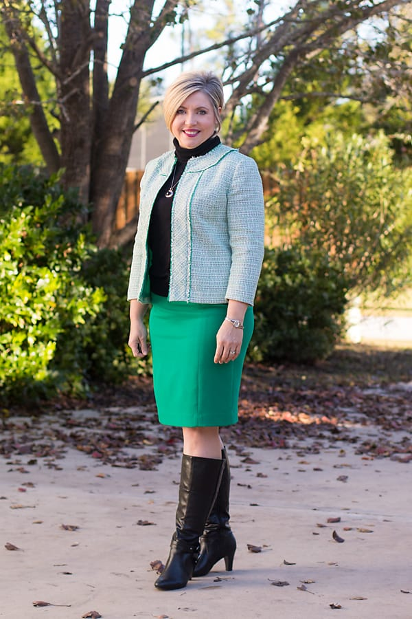 ways to wear green to work/ pencil skirt with boots