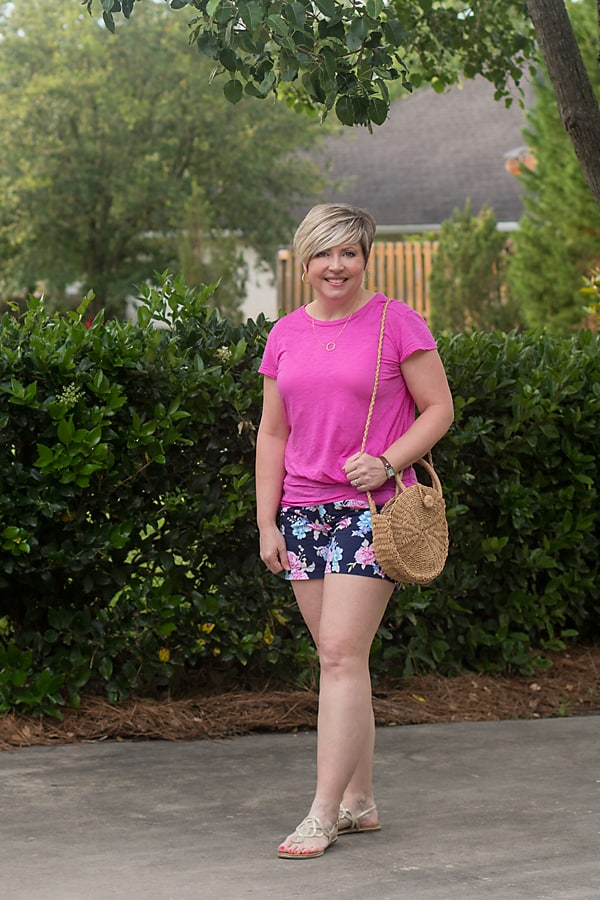 bright floral shorts summer outfit