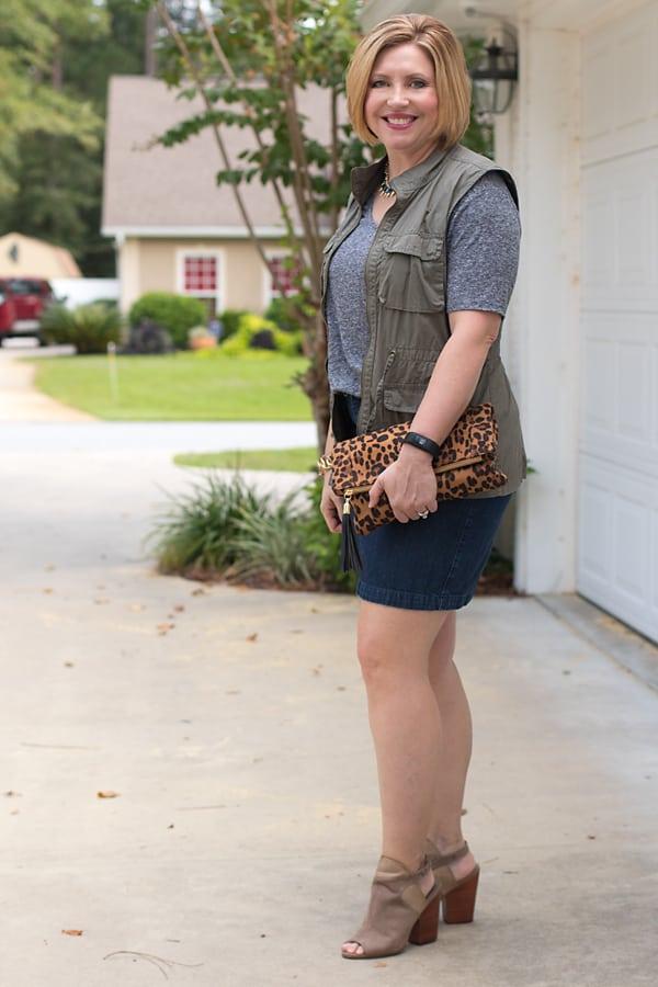 women's utility vest outfit