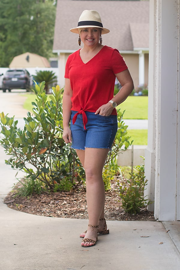 summer outfit with cut off denim shorts