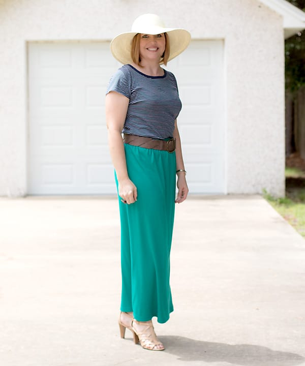 Wide brim hat outfit
