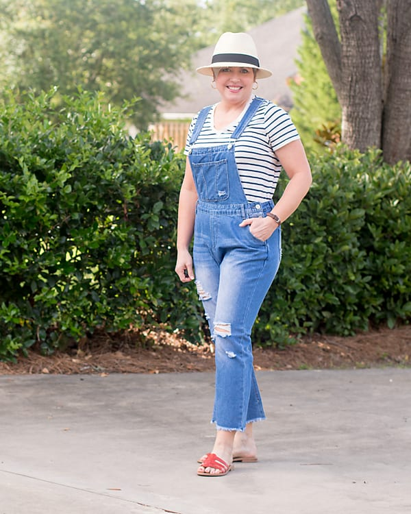 overalls with straw hat outfit