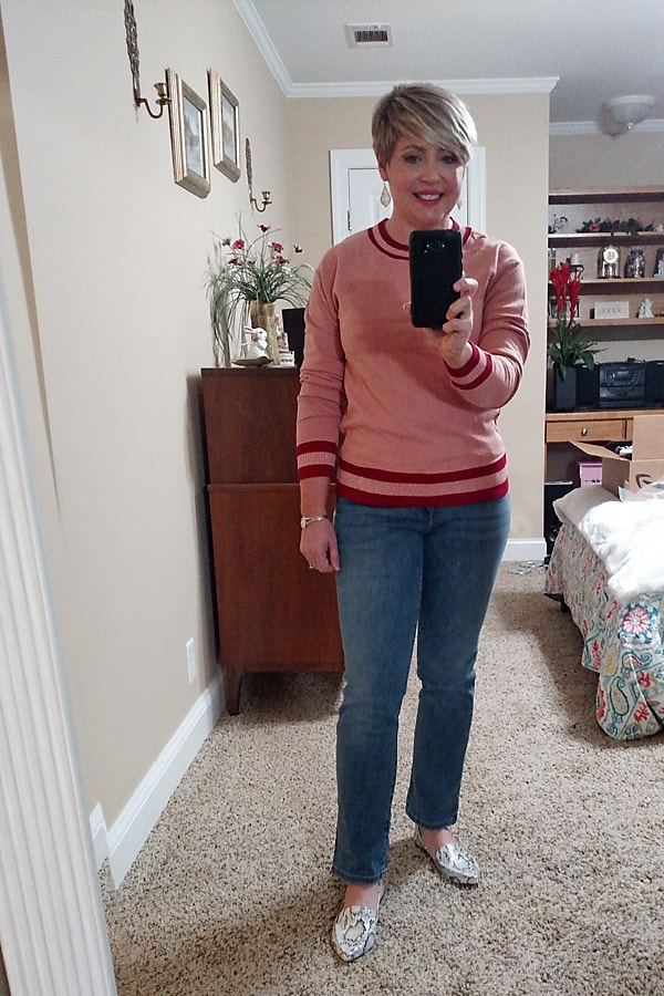 sweatshirt and jeans outfit