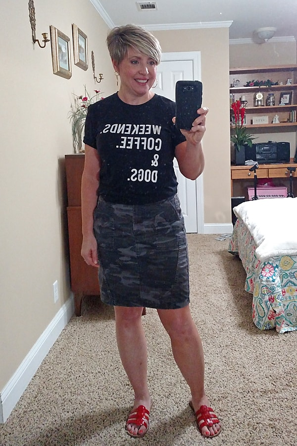 weekend graphic tee and camo skirt outfit