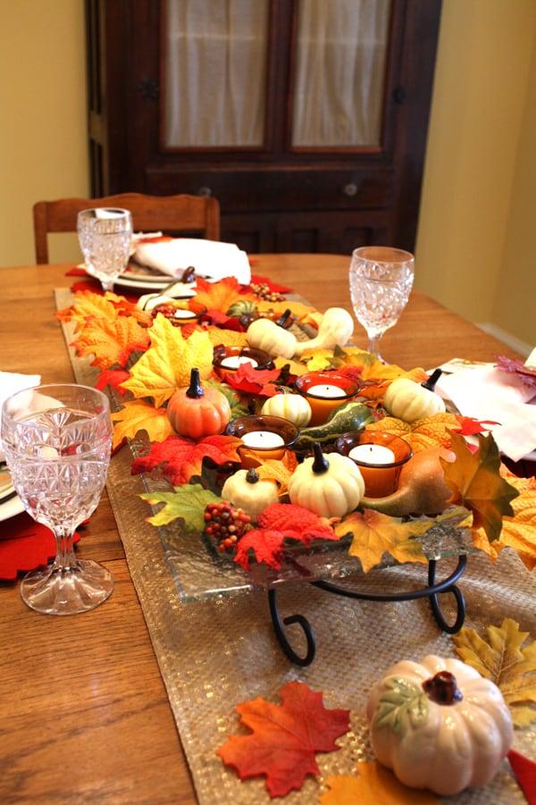 fall leaf Thanksgiving table settings