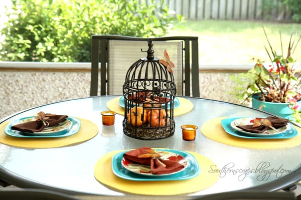 casual outdoor Thanksgiving table setting