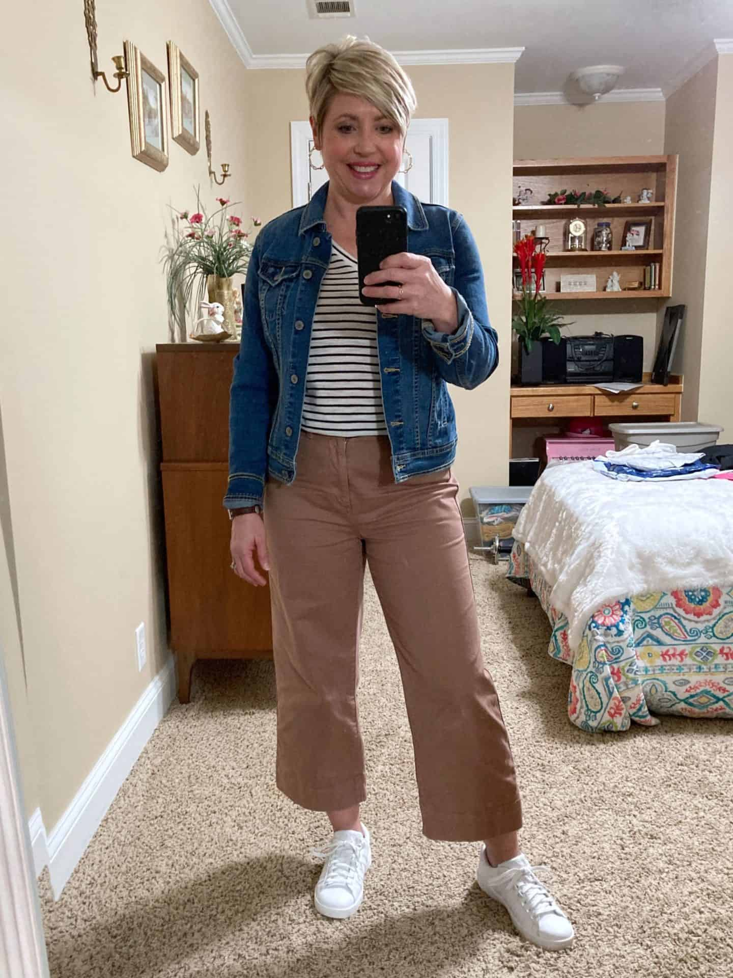 wide leg crop pants and sneakers outfit