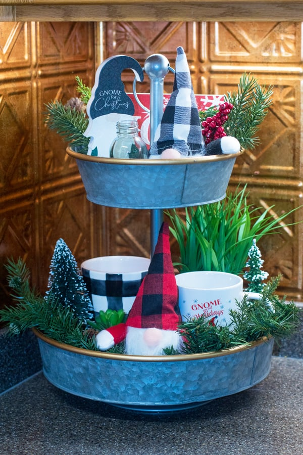 gnome tiered tray