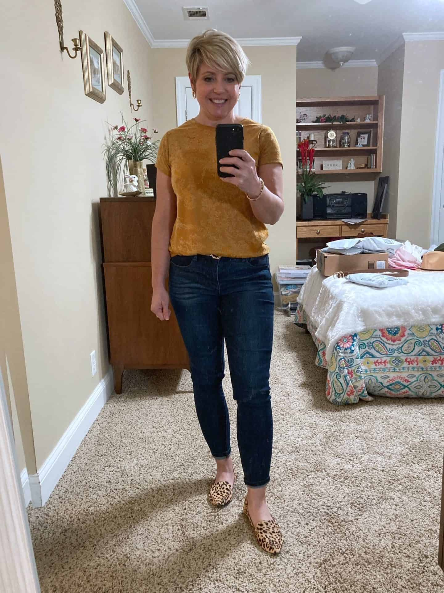 dark wash jeans outfit for fall