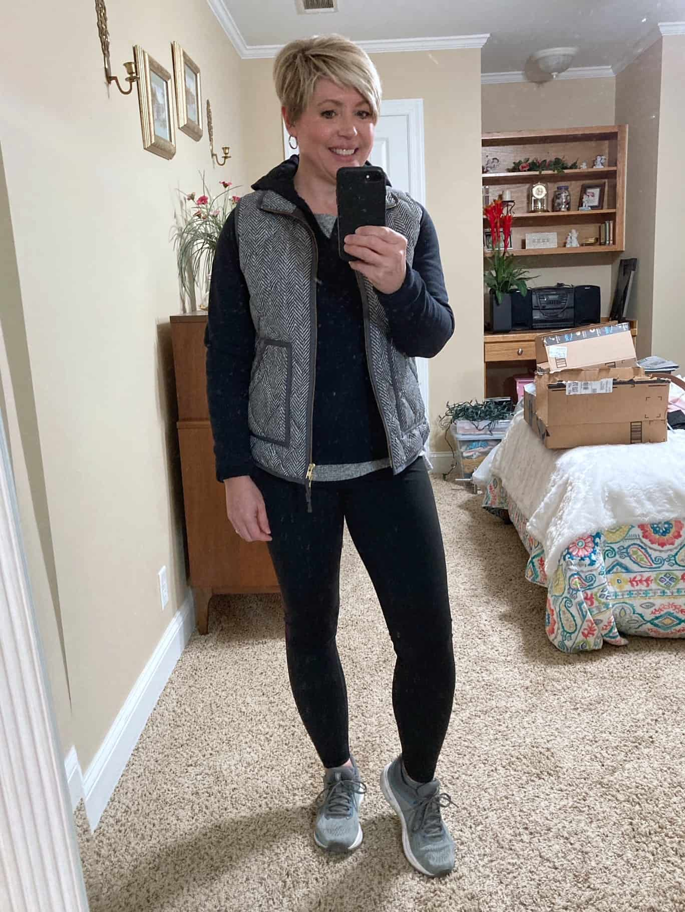 womens winter athleisure outfit
