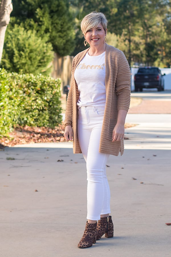 white jeans and camel cardigan neutral outfit