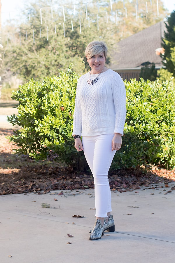 how to wear neutral colors, white jeans winter outfit