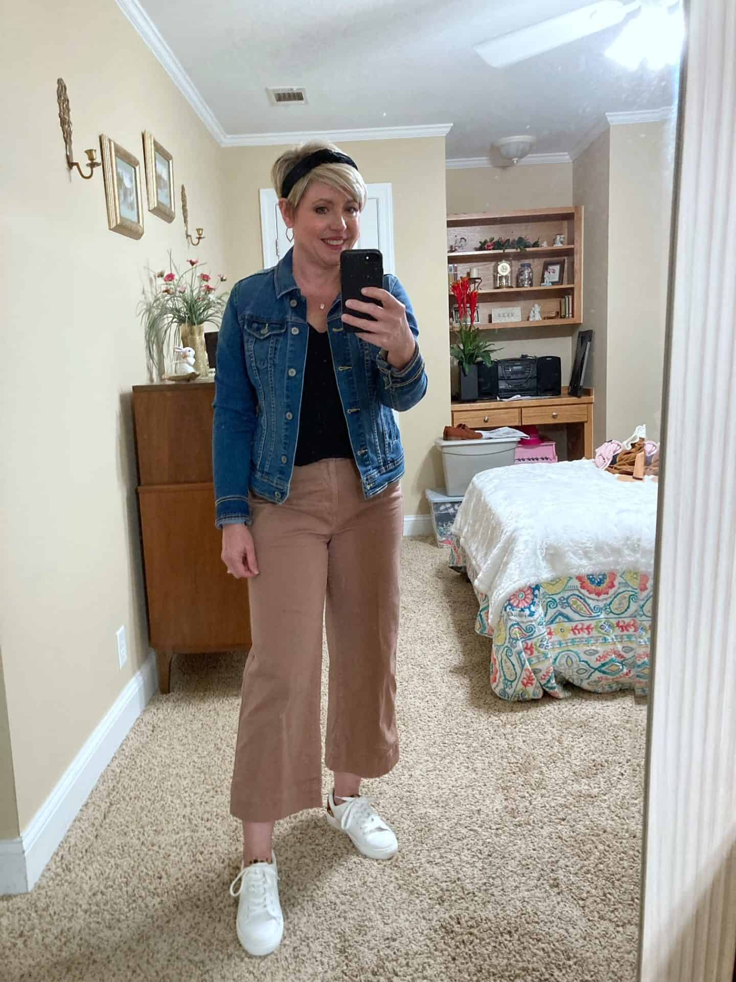 cropped wide leg pants with denim jacket
