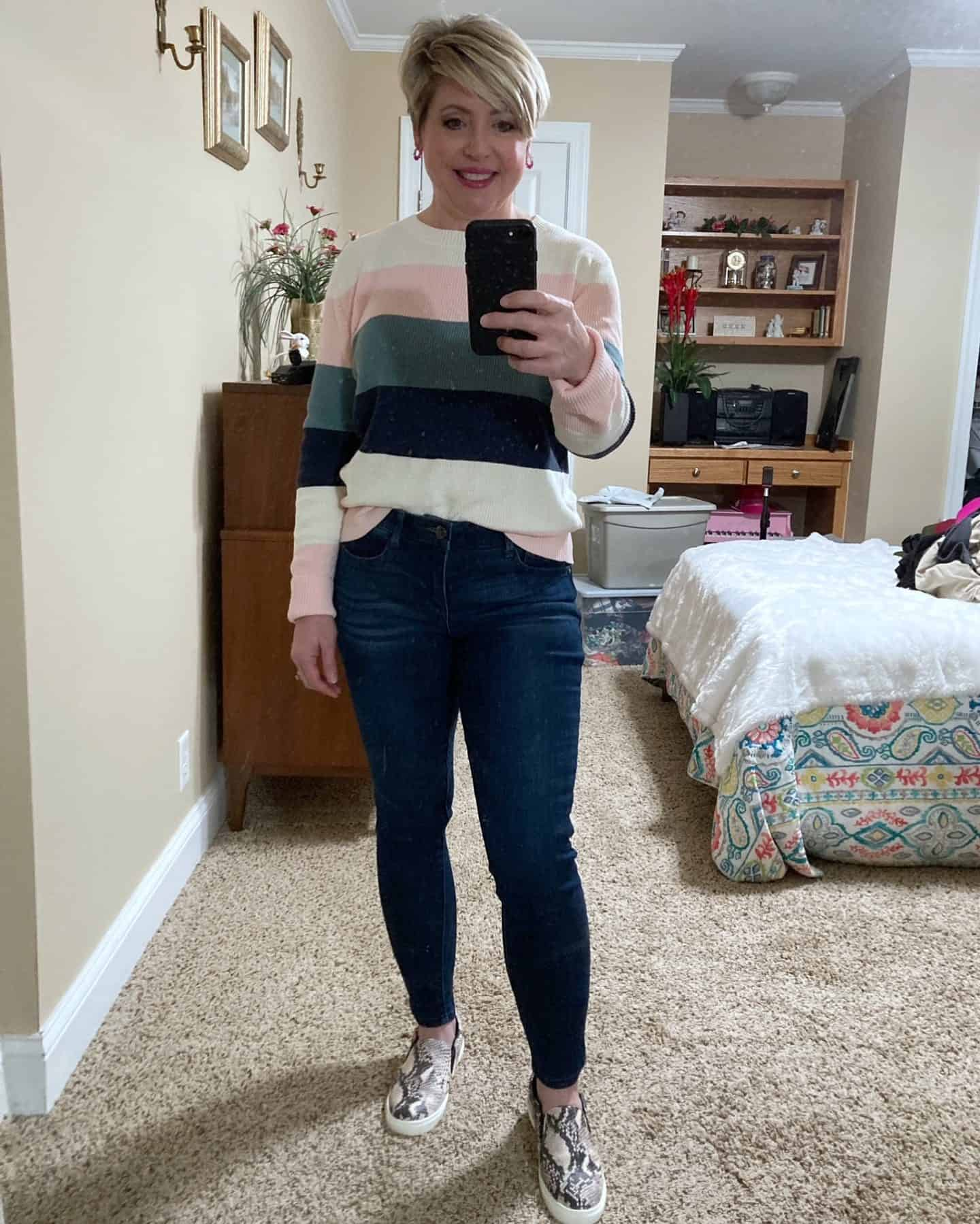 women's color block sweater outfit