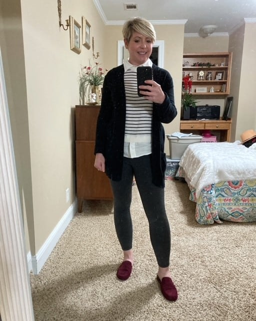 women's leggings and cardigan outfit