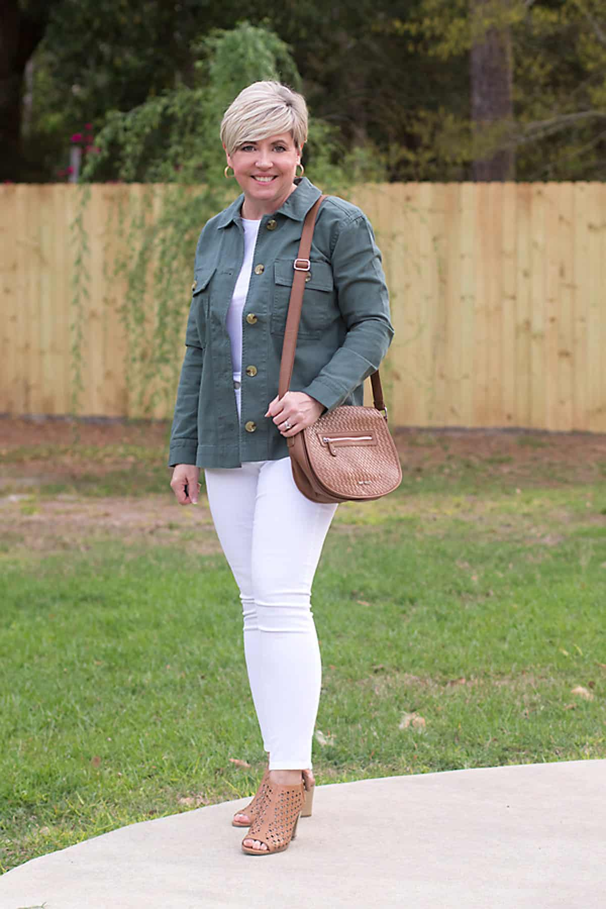 olive shirt jacket with white jeans outfit