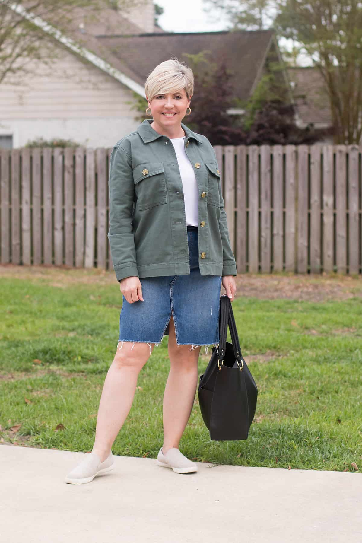 women's spring shacket outfit