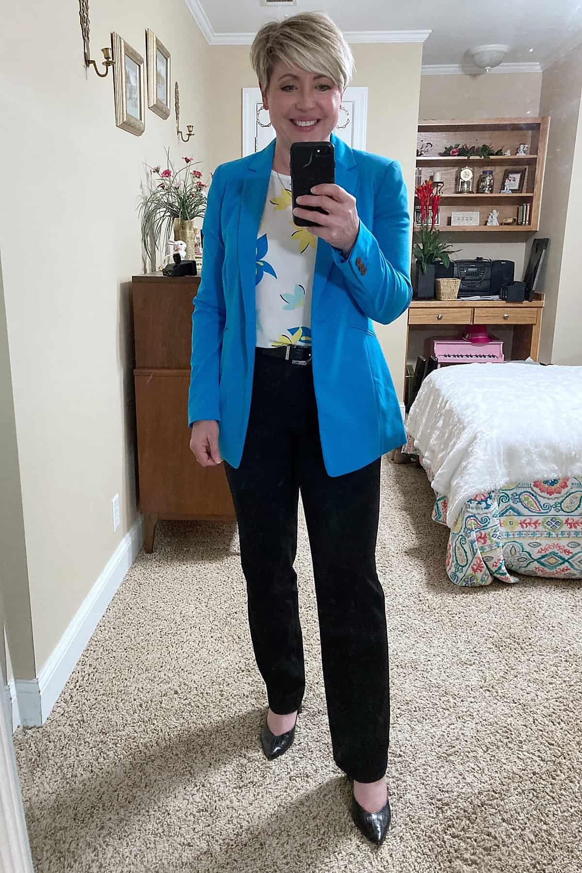 women's bright blue blazer outfit
