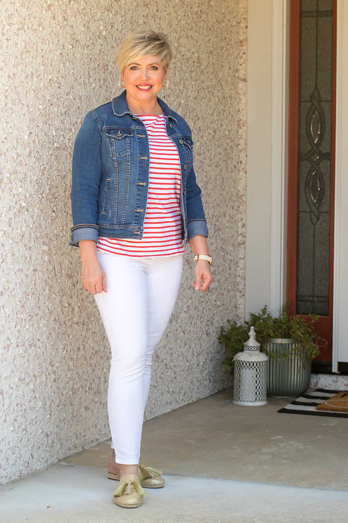 denim jacket outfit for women