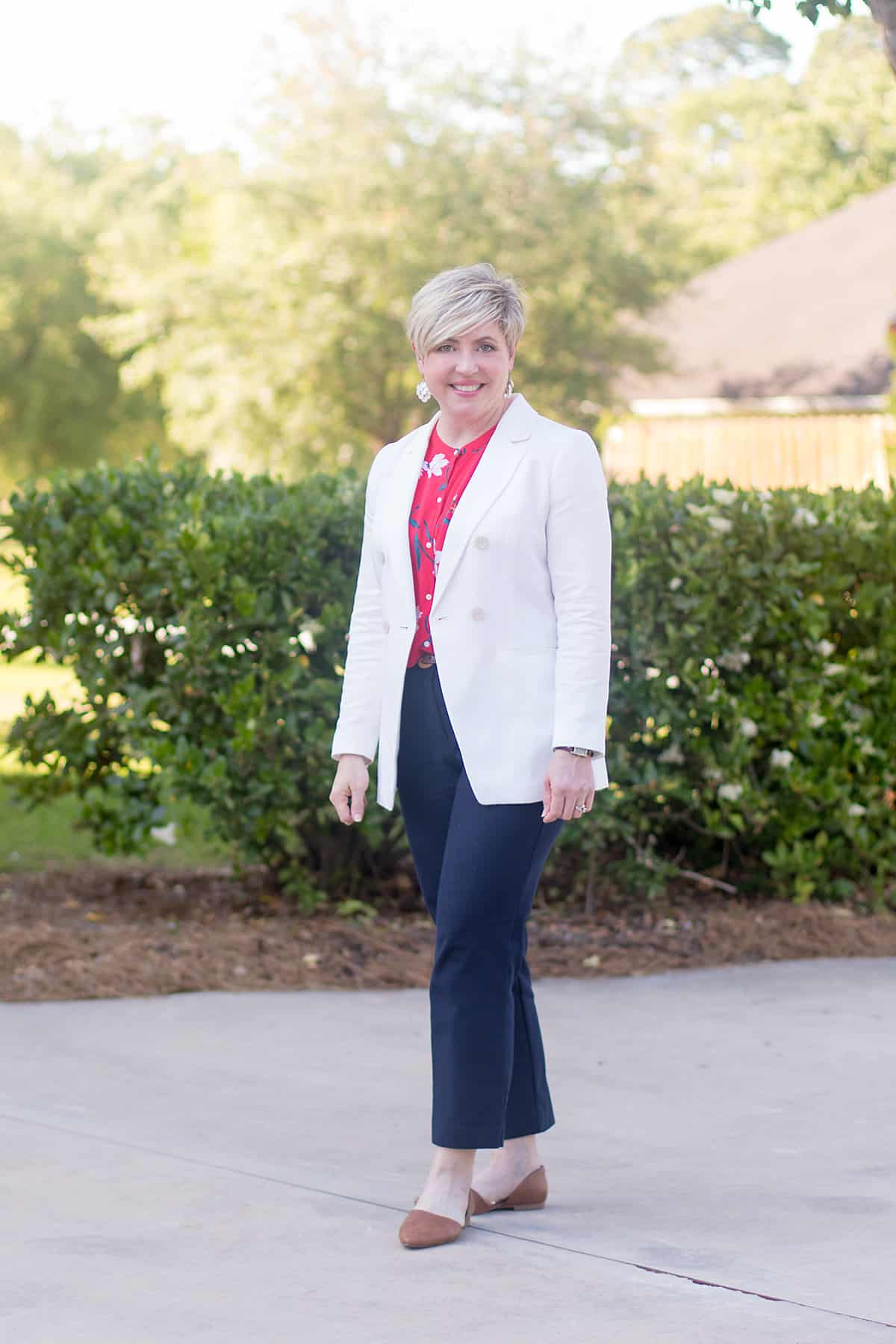 women's work outfit with white blazer