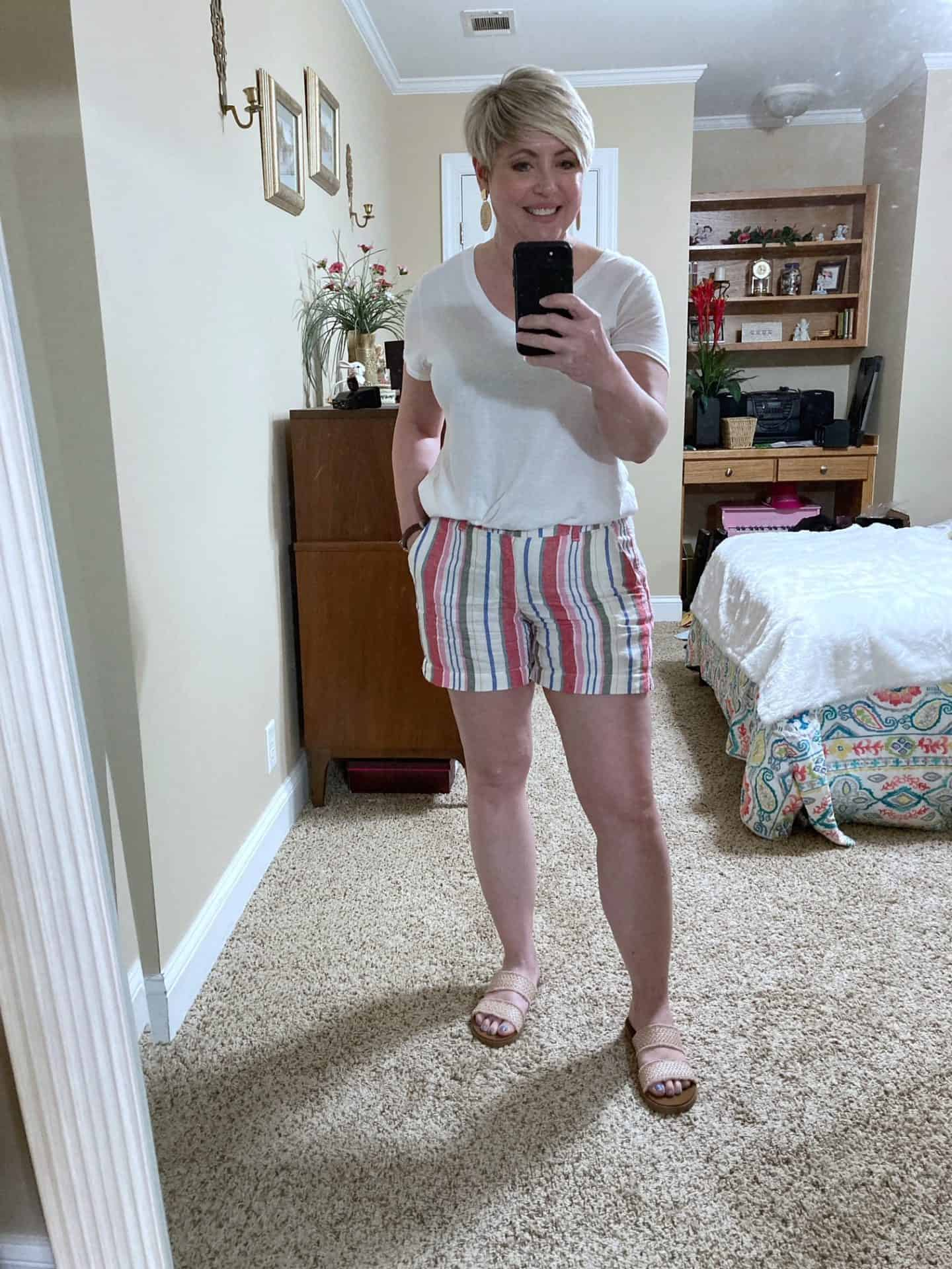 striped linen shorts summer outfit