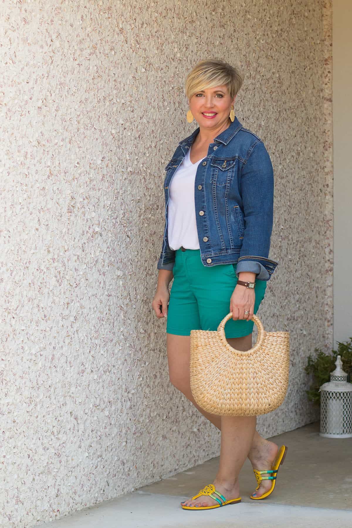 cute summer outfit with bright shorts