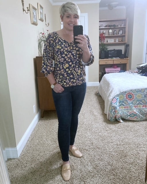 floral fall top with dark wash jeans