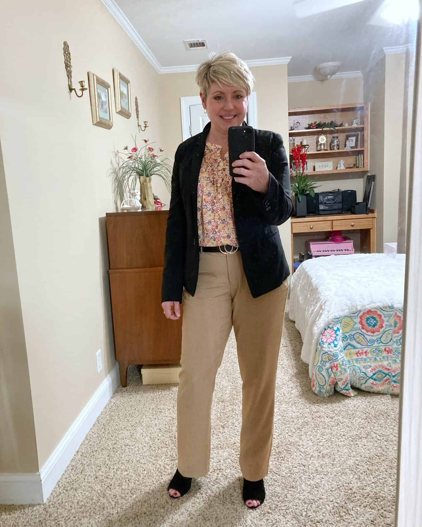 early fall work wear with camel pants